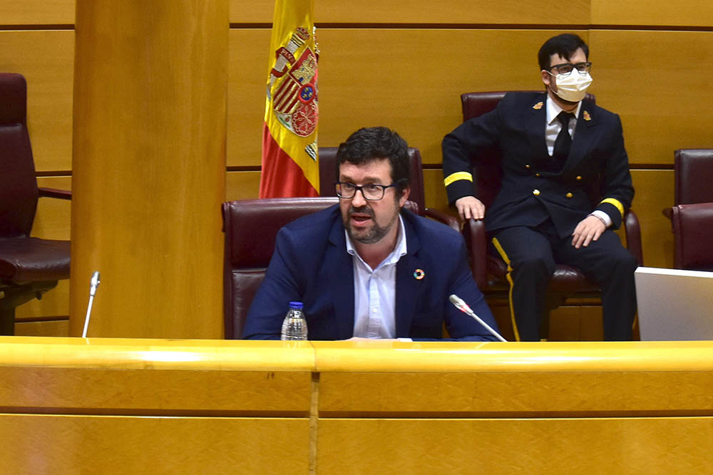 Pérez Rey insta a los grupos parlamentarios a sumarse al reto de una recuperación que deje atrás la precariedad